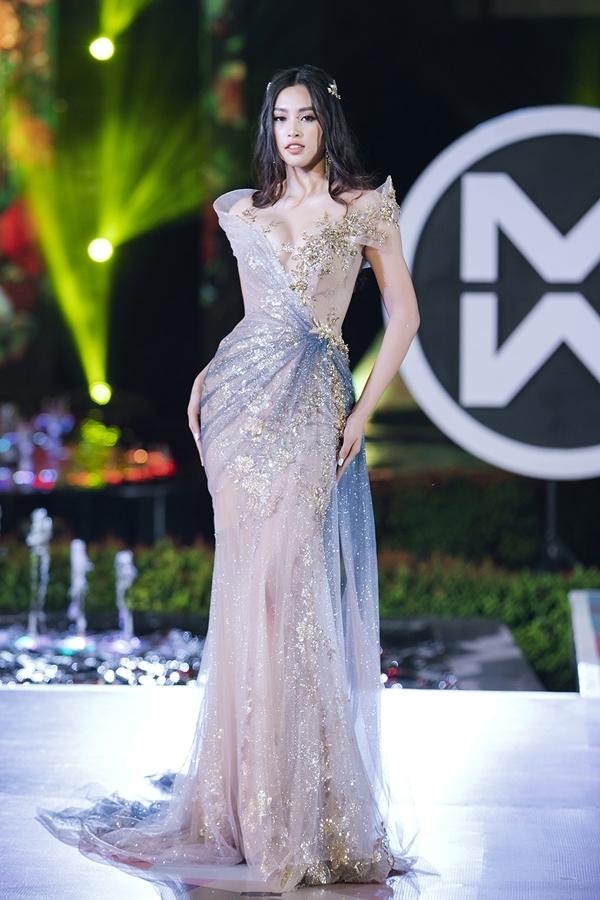 Chưa đầy một năm sau đăng quang Hoa hậu Việt Nam 2018, Tiểu Vy cho thấy sự trưởng thành và lột xác về thần thái.