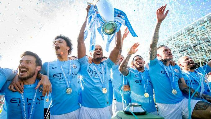 Man City hai lần vô địch liên tiếp Ngoại hạng Anh.