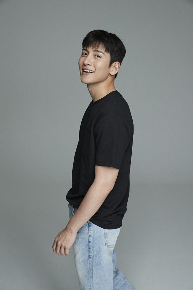 Ngôi sao Ji Chang Wook góp mặt trong đêm nhạc ngày 24/8.