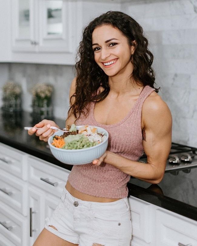 Khi có giải đấu, Natalie sẽ tăng gấp đôi lượng protein trong thực đơn hàng ngày.