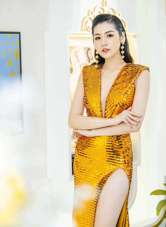 Sao Việt chuộng phong cách ánh kim - 2