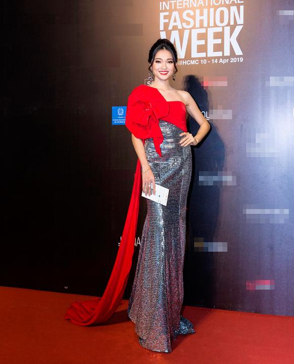 Sao Việt chuộng phong cách ánh kim - 6