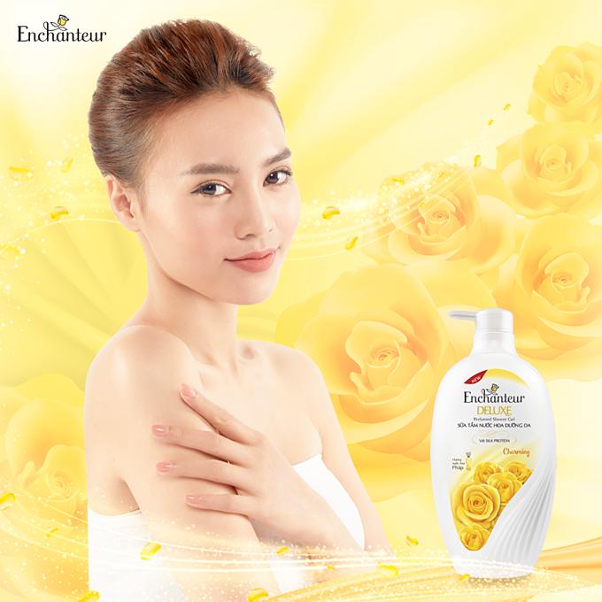Sữa tắm hương nước hoa Enchanteur Deluxe mang hương thơm quyến rũ của những cô nàng Pháp.
