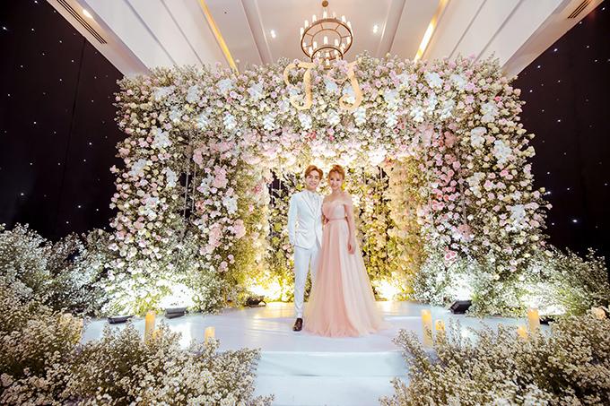 Sau đám cưới, Thu Thủy tiếp tục theo đuổi sự nghiệp ca hát với sự ủng hộ từ chồng và con.