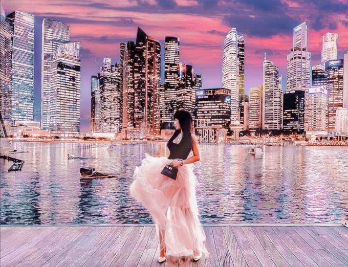 Nổi tiếng trên MXH bởi cuộc sống và gia thế cực khủng, người phụ nữ bên cạnh doanh nhân Minh Nhựa - Nga Phạm khiến cho cộng đồng mạng không khỏi xuýt xoa vì những bức ảnh đẹp lung linh chu du khắp thế gian cực lãng mạn bên cạnh ông xã tiền tỉ của mình.