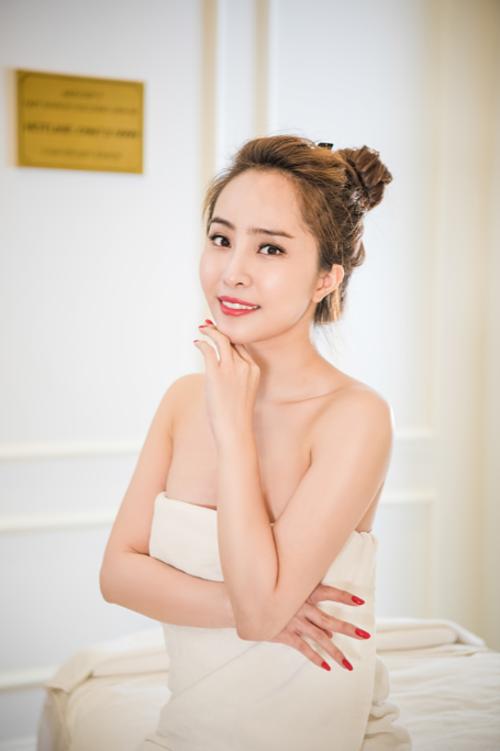 Dàn sao Việt trải nghiệm tắm trắng miễn phí - 2