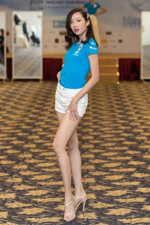 Tham gia Miss World Vietnam 2019, Thanh Khoa toả sáng ở các hoạt động chụp ảnh, trình diễn. Cô vừa lọt top 5 phần thi Người đẹp Biển, top 13 Tài năng...