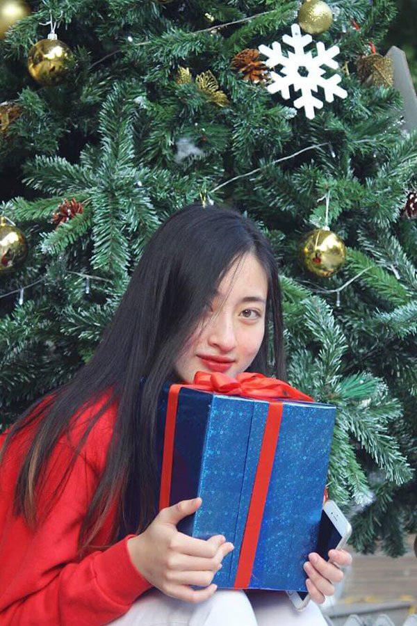 Nhiều khán giả cũng tin rằng, với chiều cao, nhan sắc và khả năng ngoại ngữhiện có, Lương Thuỳ Linh hoàn toàn có thể mang về thứ hạng cao cho Việt Nam khi tham gia Hoa hậu Thế giới 2019.