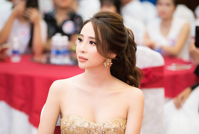 Tại sự kiện sáng 4/8, Quỳnh Nga đã có những chia sẻ thẳng thắn về cuộc hôn nhân đổ vỡ với cựu người mẫu Doãn Tuấn.