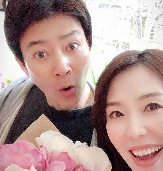 Vợ chồng Soo Jong và Hee Ra.
