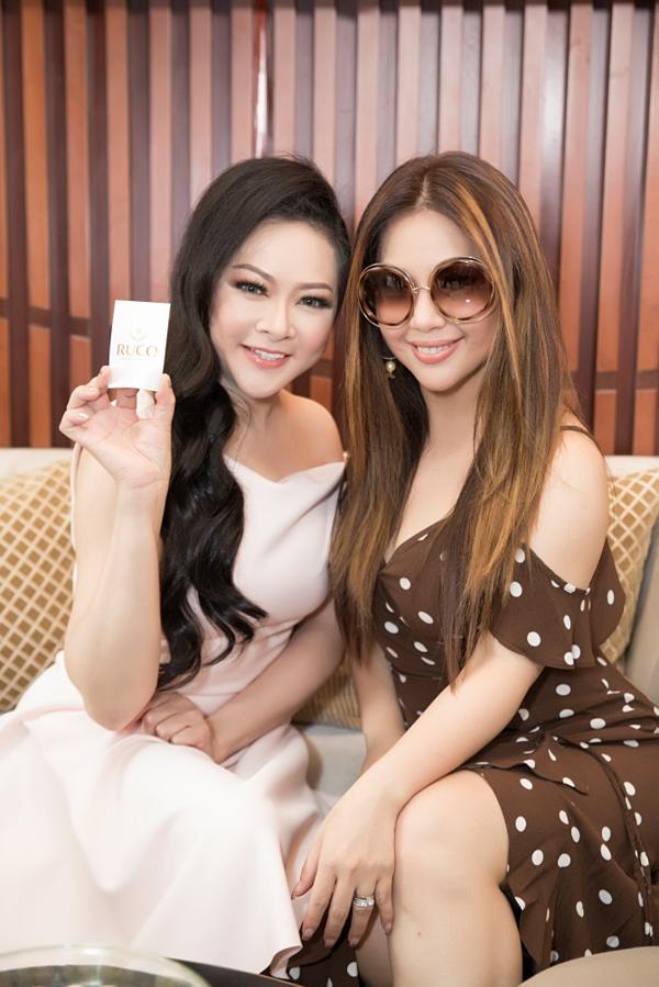 Như Quỳnh và Minh Tuyết cũng là những khách hàng quen thuộc của Ruco.