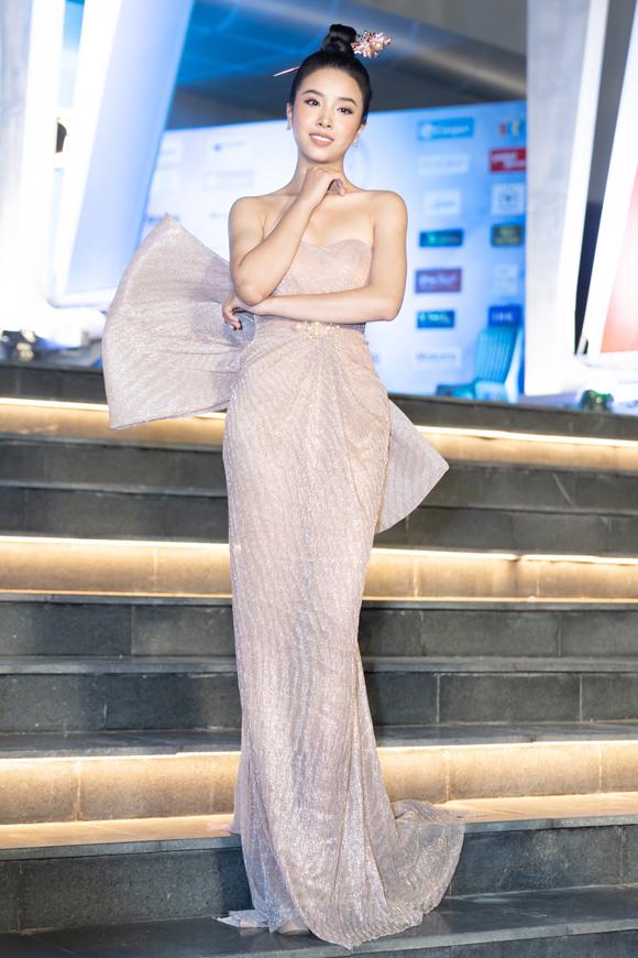 Mỹ nhân Việt mặc đẹp nhất tuần - 5
