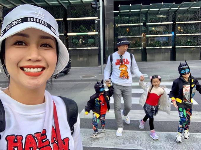 Gia đình Ốc Thanh Vân - Trí Rùa cùng 3 con du lịch khám phá Australia.
