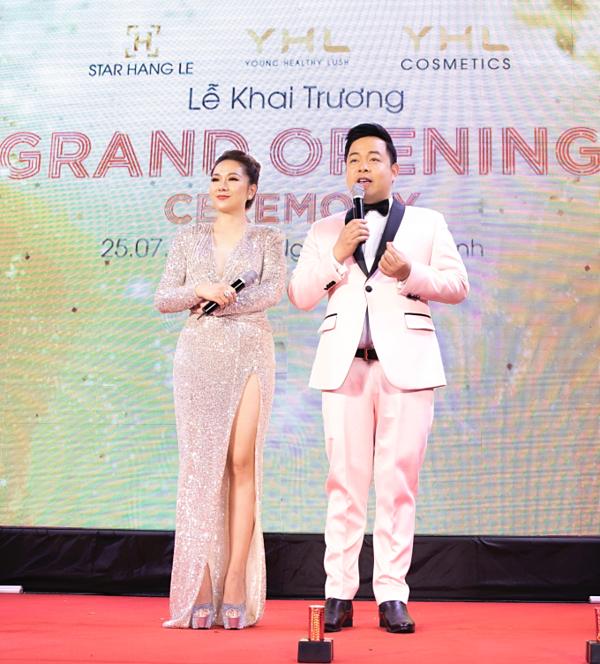 Ca sĩ Quang Lê dự sự kiện khai trương showroom YHL tại Hà Nội - 1