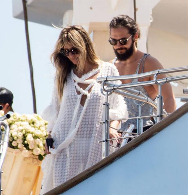Sau đám cưới, cặp đôi nán lại ở Capri nghỉ dưỡng vài ngày, hưởng tuần trăng mật trước khi quay lại với công việc.