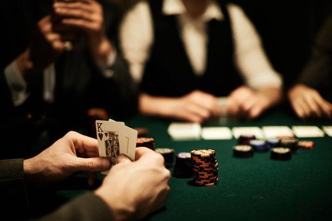 Người chồng nghiện cờ bạc ở Ấn Độlấy vợ ra cá cược khi hết tiền. Ảnh minh họa: iStock.