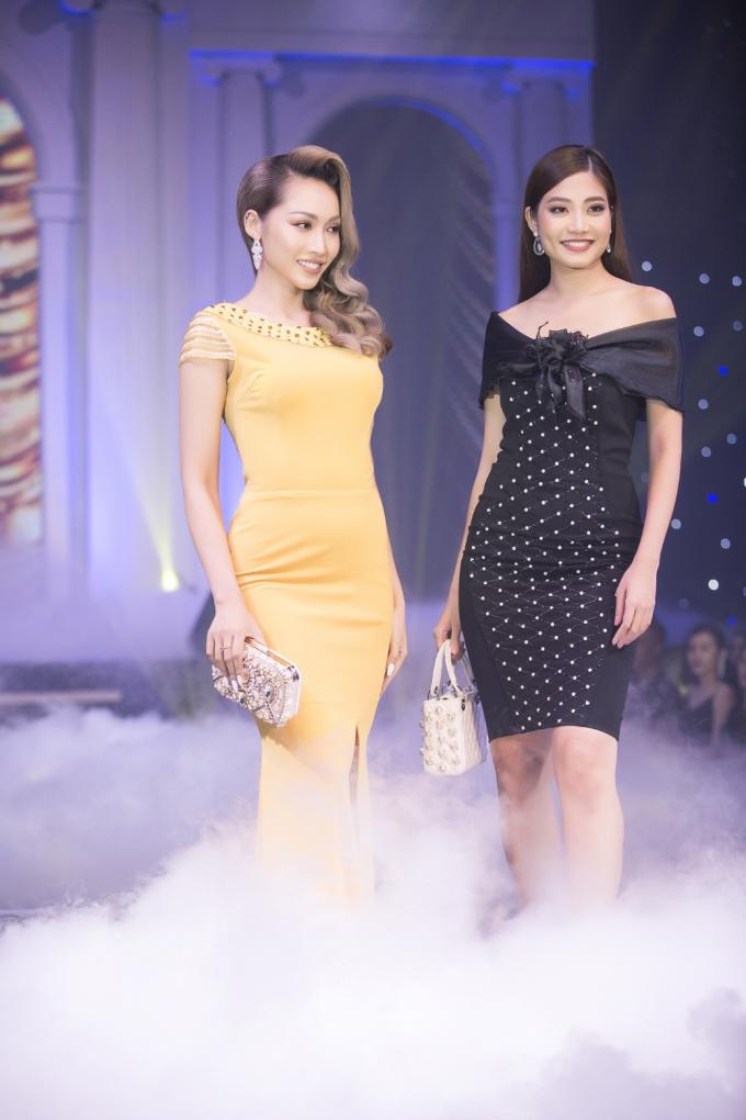 Phong Dung luôn tư vấn và định hình phong cách thời trang cho khách có nhu cầu về kiểu dáng, chất liệu vải, màu sắc để phù hợp với phong cáchtừng người.
