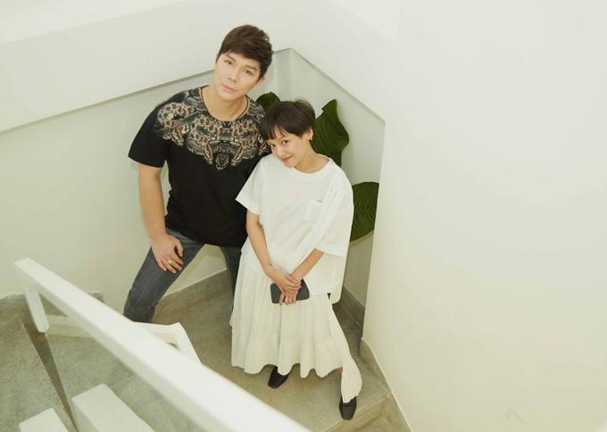 Ly Truong nhiều năm sống ở nước ngoài và từng làm việc cho một số thương hiệu thời trang quốc tế. Cô về nước từ năm 2017 để phát triển sự nghiệp thiết kế.