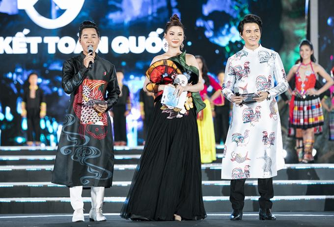 Nguyên Khang, Diễm Trang và Vũ Mạnh Cường dẫn chung kết Hoa hậu Thế giới Việt Nam 2019 tổ chức tại Đà Nẵng tối 3/8.