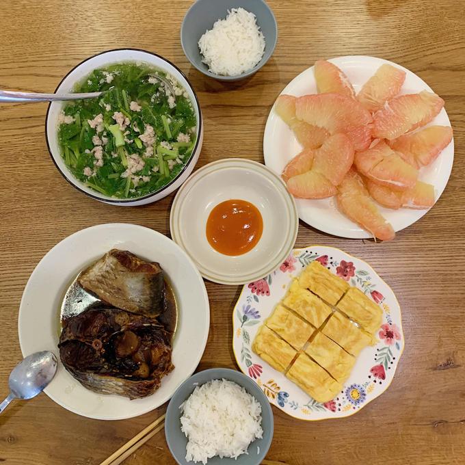 Khó khăn của Kiên là nêm nếm sao cho phù hợp với khẩu vị người ăn, đặc biệt là khi nhà có khách. Do đó, anh liên tục điều chỉnh để có món ăn ngon, phù hợp với mọi người.