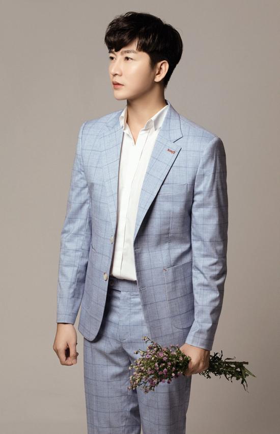 Vest và suit theo đúng xu hướng thịnh hành luôn được Nam Hee lựa chọn mỗi khi xuất hiện trước công chúng.