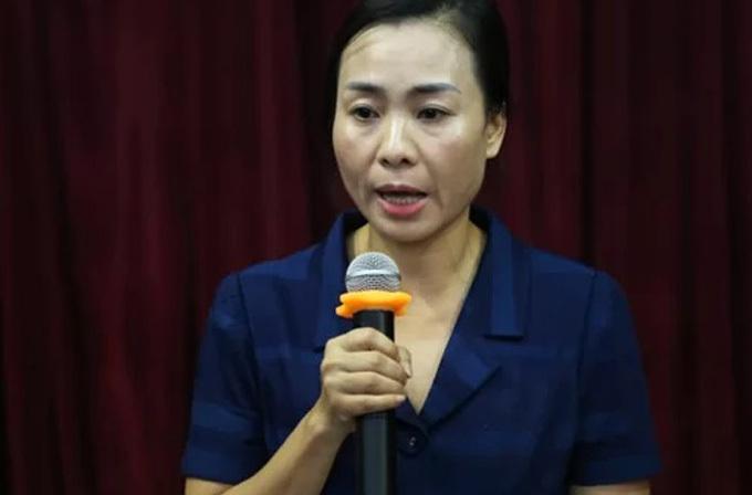 Bà Phan Thu Hà, Chánh văn phòng UBND quận Cầu Giấy, báo cáo lại sự việc.