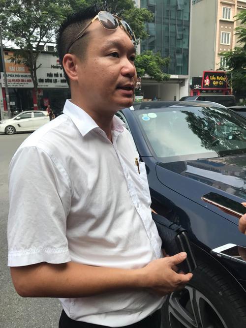 Anh Trương Tấn Thành - hội trưởng hội phụ huynh lớp 1 Tokyo trường Gateway - lớp của cháu Long tử vong hôm 6/8 do bị bỏ quên trên xe đưa đón. Ảnh: Hà Phương.