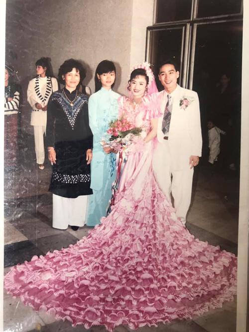 Đám cưới xa hoa ở Hải Phòng năm 1994, cô dâu thay 4 bộ váy