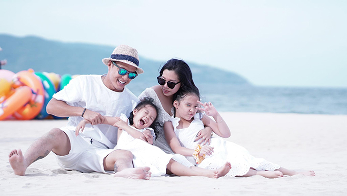 Diễn viên Hồng Đăng cho biết vợ và hai con gái chính là động lực để anh cố gắng không ngừng nghỉ.