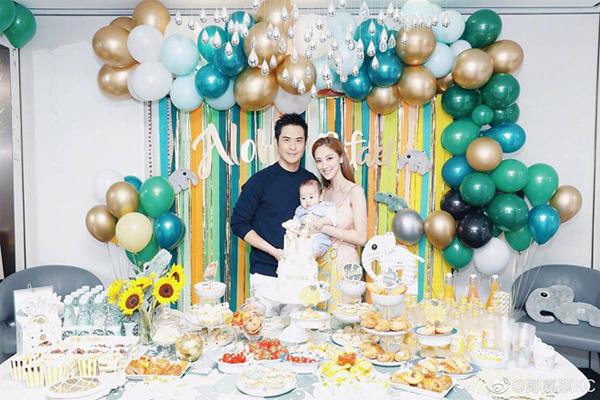 Trước đó, khi em bé Rafael tròn 100 ngày tuổi, cả nhà đã mở tiệc mừng rất hoành tráng.
