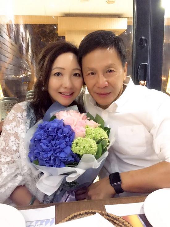 Vỹ Liệt thuộc vào hàng diễn viên lá xanh của TVB (vai phụ chuyên nghiệp, được khán giả nhớ mặt, nhớ tên). Gương mặt có phần dữ dằn, vóc dáng nhỏ bé, nhưng nam diễn viên nổi tiếng sống tử tế, tốt bụng.