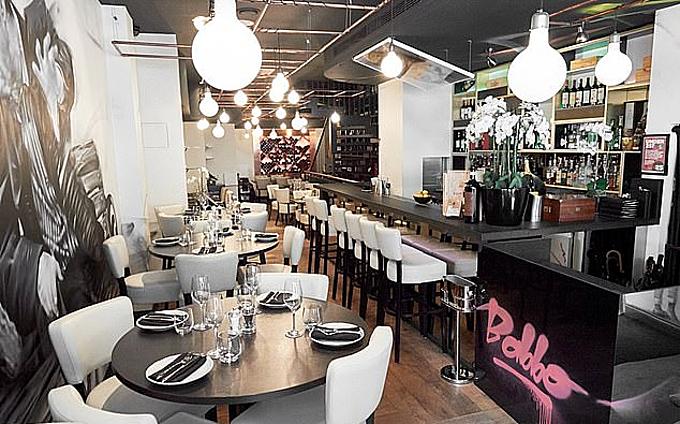 Nhà hàng Italy được mở ở London do David Luiz và Willian cùng làm chủ.