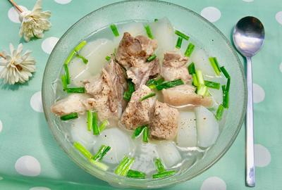 Canh củ cải trắng hầm xương - 3