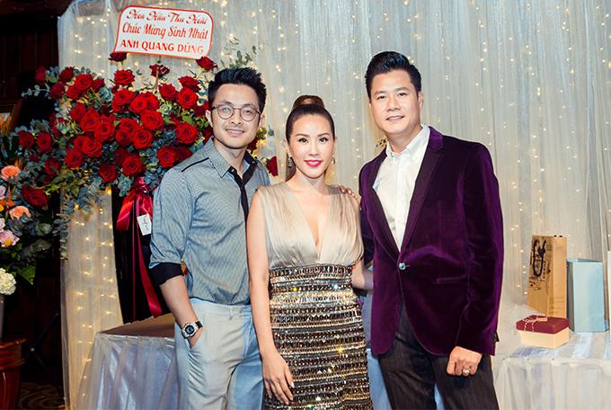 Hoa hậu Thu Hoài được bạn trai kém tuổi tháp tùng. Cặp đôi thường xuyên đồng hành từ khi công khai tình cảm.