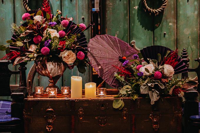 Ekip sử dụng hoa loa loa kèn đen, scabiosa đen, Astillbe hồng đậm, hồng trắng White Ohara, lá bạc tròn, hồng tím nhập khẩu, lá bạc nhập khẩu.