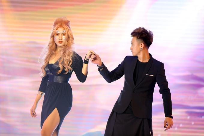 Những mẫu tóc mang những sắc màu đa dạng, tạo dấu ấn bởi kỹ thuật tạo kiểu trong BTS