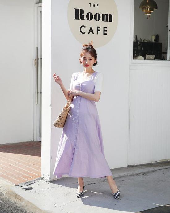 Cách 'biến' váy hai dây thành món đồ thanh lịch - Ngôi sao