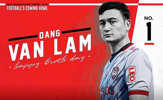 Muangthong United chúc mừng thủ môn Việt Nam.
