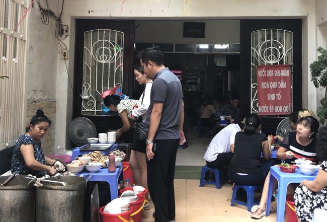 Ngõ ăn chơi Trung Yên ngoằn nghoèo ngõ ăn chơi - 1