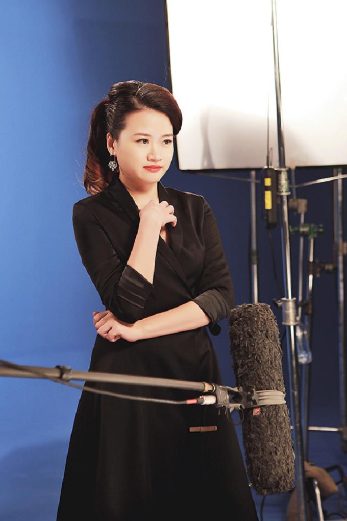 Công việc sáng tạo cho tạp chí thời trang đòi hỏi Hà Đỗ phải luôn sâu sát với từng bộ hình