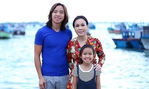 Hoài Phương: 'Vắng Việt Hương, tôi như gà trống nuôi con'