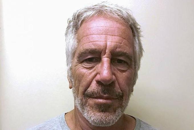Hình ảnh tỷ phú ấu dâm Mỹ Jeffrey Epstein ở trong tù hồi tháng 7. Ảnh: BI.