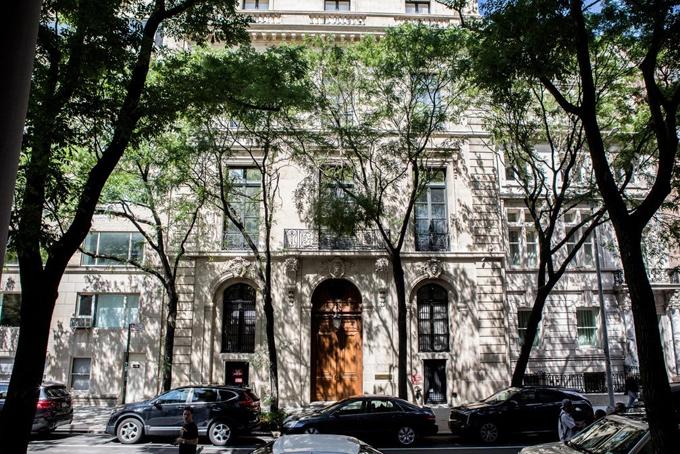 Căn biệt thự nơi diễn ra cuộc gặp bí mật của nhà báo James B. Stewart và Jeffrey Epstein. Ảnh: NYT.