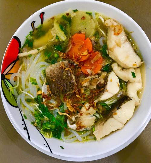 Trở ngại duy nhất trong quá trình nấu ăn mà Kim Dung gặp phải là thời tiết. Tôi thường bị mệt, không có hứng thú nấu nướng khi trời nóng, cô kể.