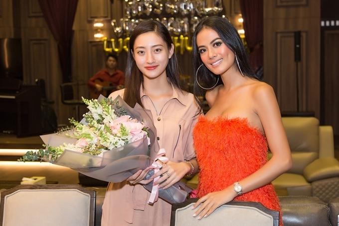 Siêu mẫu Như Vân từng đảm nhận vai trò huấn luyện catwalk tại Miss World Vietnam 2019. Cô đánh giá cao khả năng tiếp thu, tiến bộ của Thùy Linh và hy vọng đàn em gặt hái thành tích cao tại Miss World 2019.