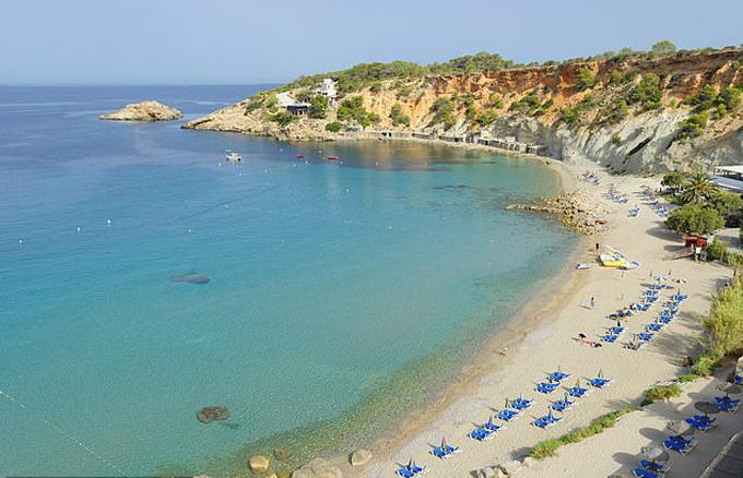 Đảo Ibiza ở Địa Trung Hải, nơi nghỉ dưỡng của gia đình Harry - Meghan - Archie hồi đầu tháng 8. Ảnh: Culture RF.