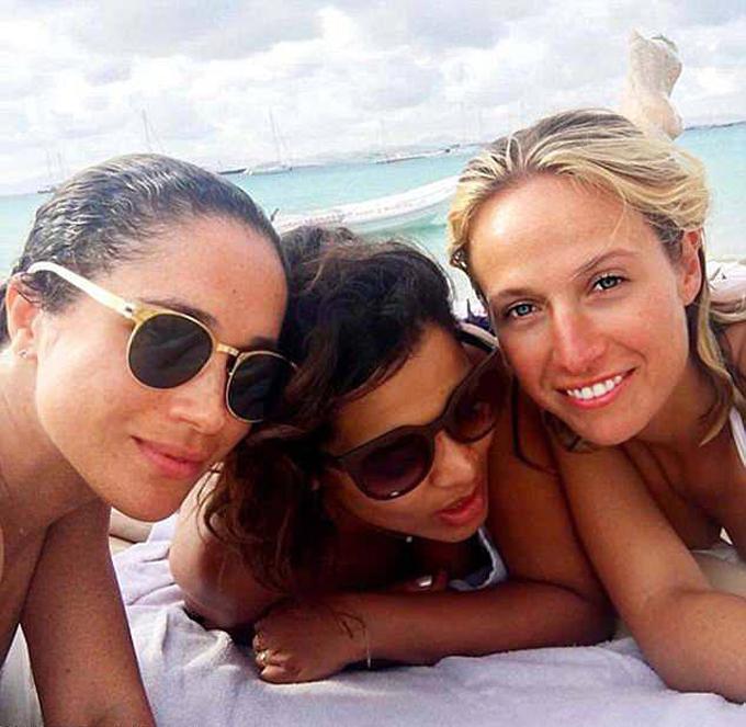 Meghan từng đi nghỉ ở Ibiza với bạn bè vào năm 2016, trước khi gặp Hoàng tử Harry. Ảnh: Instagram.
