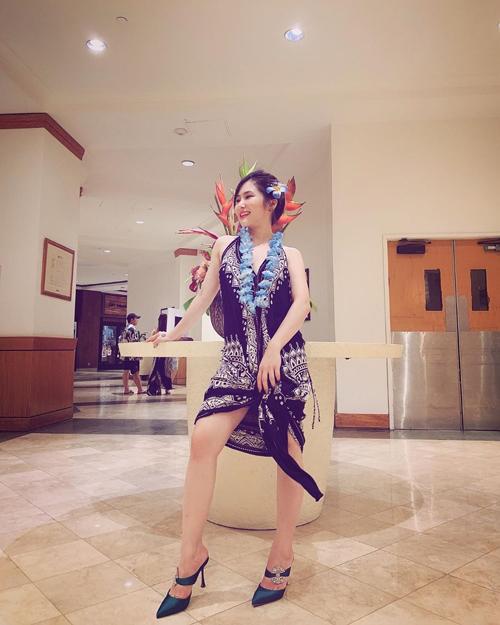 Sau khi dừng sự nghiệp ca hát, Hương Tràm đi du học tại Mỹ. Cô vui vẻ tận hưởng cuộc sống bình yên ở xứ cờ hoa và cho biết luôn hết mình trong mọi tình huống.