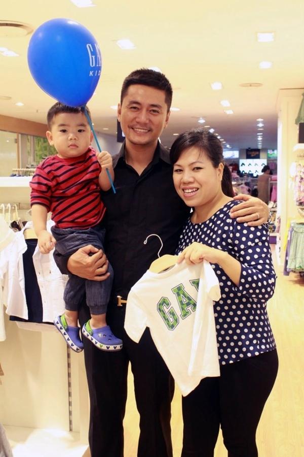 Tháng 9/2010, vợ chồng Trương Minh Cường đón con trai đầu lòng Louis Trương Gia Bảo. Thời gian Thu Huyền mang thai, nam diễn viên tạm gác công việc, tham gia các lớp học tiền sản để có thêm kiến thức chăm sóc bà bầu và em bé.