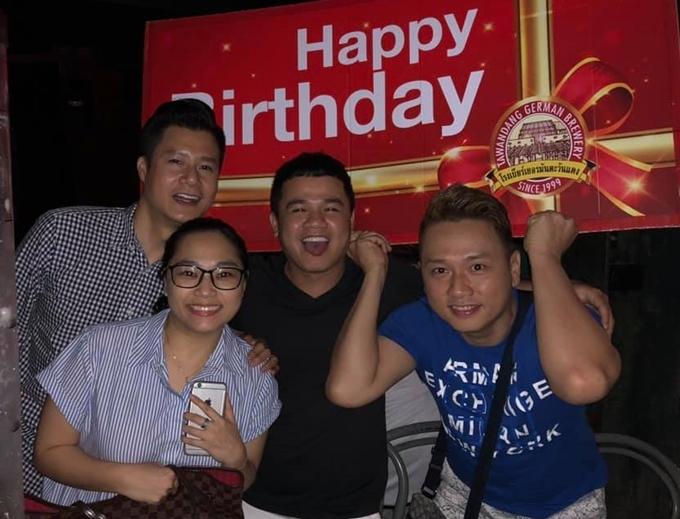 Hàn Thái Tú trong tiệc sinh nhật ca sĩ Quang Dũng.